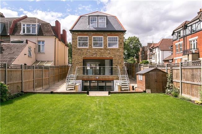 Hamptons International Sales Balham fifth image