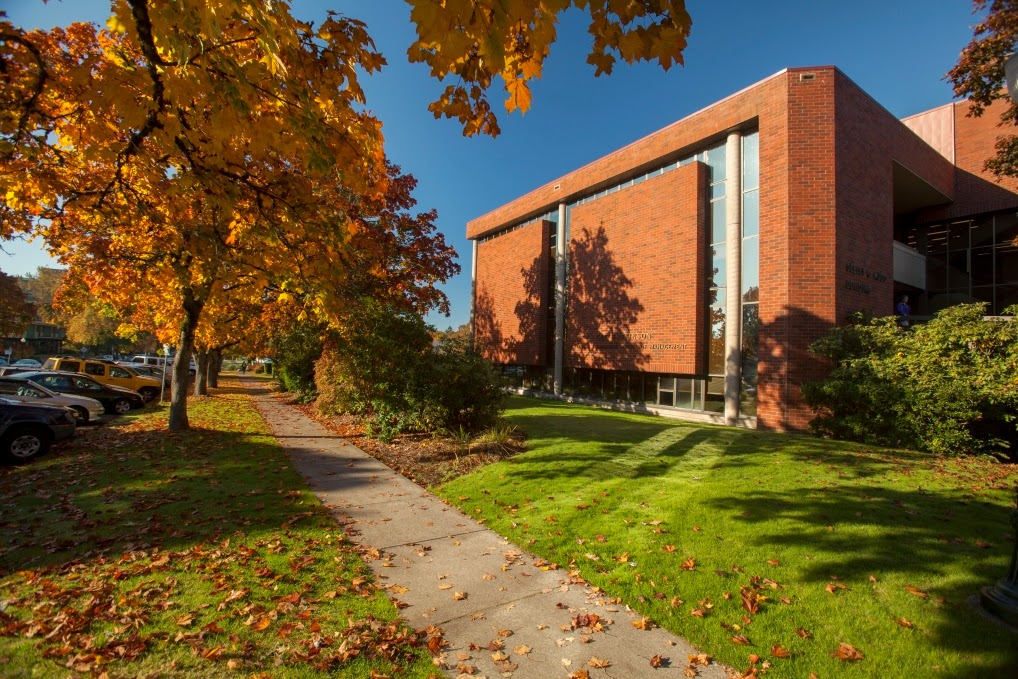 Willamette University MBA third image