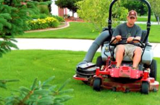 Lawn Services of Omaha fourth image