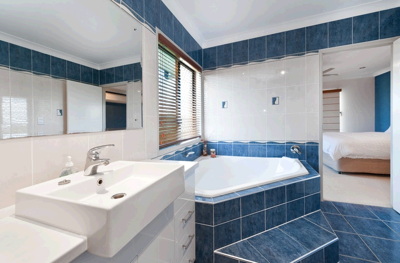 Custom Bathroom Renovations Sydney fifth image