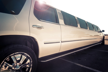 Luxury Bellevue Limo second image